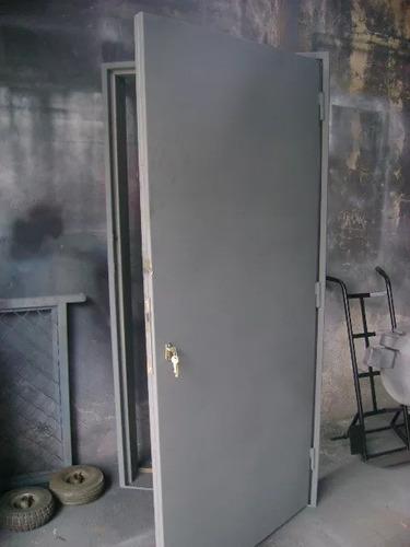 Puerta Entamborada Hierro  Doble Lamina Co Marco Y Cerradura