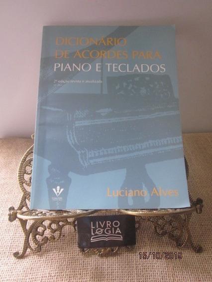Livro Dicionário De Acordes Para Piano E Teclados