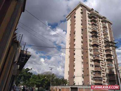 Apartamento En Venta Av Aragua Urb El Centro 19-7860 Mv