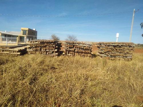 Imagem 1 de 1 de Estacas De Eucalipto Tratado Para Construção De Cerca