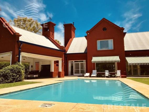 Venta Imponente Casa De 3 Dormitorios - Kentucky Club De Campo, Funes.