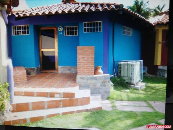 Casas En Venta Chichiriviche / Marco V. 04243431163