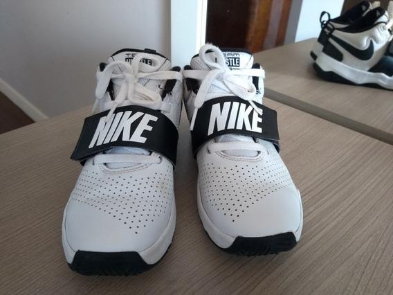 Tênis Nike Basketball