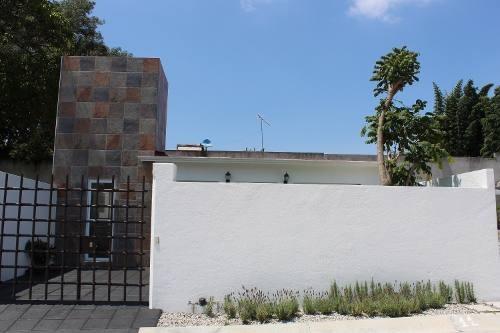 Casa Nueva De Una Sola Planta En Exclusiva Privada Céntrica