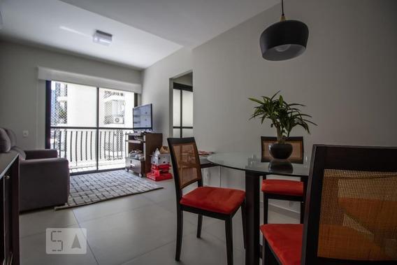 Apartamento No 7º Andar Mobiliado Com 1 Dormitório E 1 Garagem - Id: 892971035 - 271035