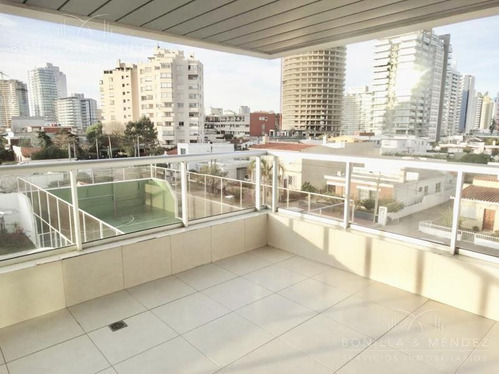 Art Boulevard, A Metros De Playa Mansa, 3 Dorm, Toilette, Dependencia, Valor Retasado!