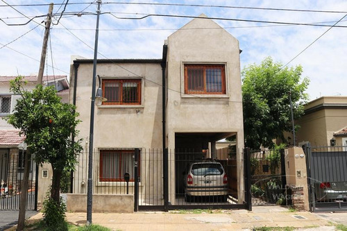 Casa 6 Amb Con Fondo Libre- Victoria