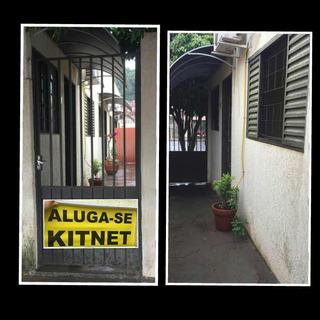 Kitnet Com Um Quarto, Cozinha, Um Banheiro, Sala E Lavanderi