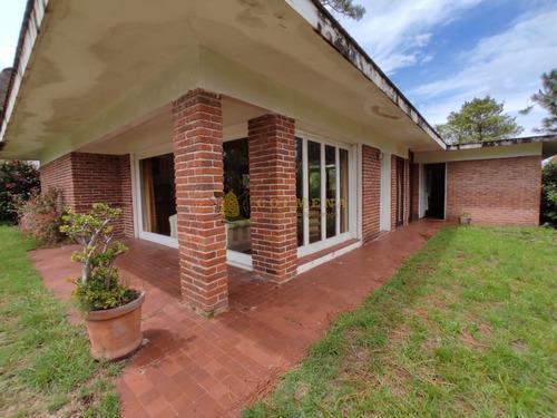 Venta De Casa En Pinares , Punta Del Este 2 Dormitorios - Ref: 4234