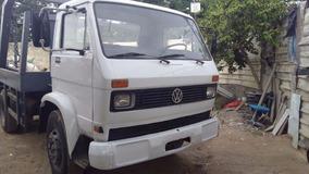 Caminhão Volks 11140