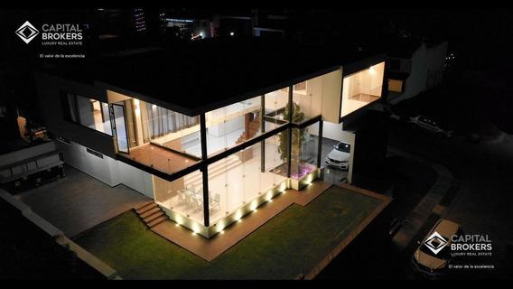 Moderna Casa De Lujo En Coto Bugambilias Palomar En Venta
