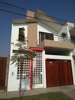 Casa De 03 Dormitorios Y 03 Bañoscon Terraza Frente Parque
