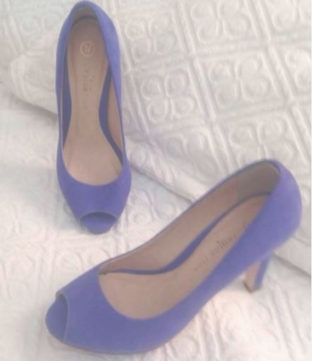 Sapato Peep Toe Azul Bic Com Salto Camurça Regina Rios