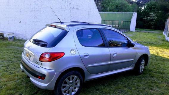 Peugeot 207 1.6 Xt 2010