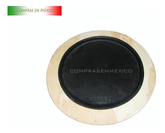 Plato Fierro Vaciado Trinche Redondo 26cm Con Base De Madera