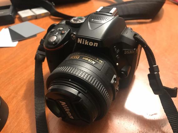 Nikon D5300 + Lente 35 Mm Nikkor 1.8 + 02 Baterias