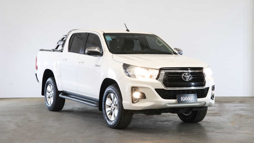Toyota Hilux 2.8 Cd Srv 177cv 4x2 At - 138376 - C