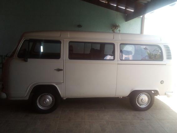 Volkswagen Kombi Standard 1.4 Standard 1.4 Flex 3p