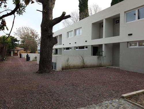 Imagen 1 de 10 de Duplex Venta 2 Dormitorios, 2 Baños Y Pileta-estrenar -120 Mts 2- Manuel B Gonnet