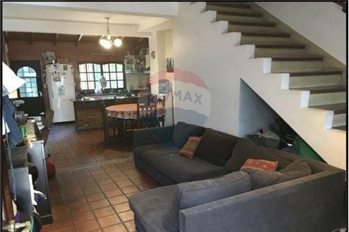 Duplex 3 Ambientes Con Patio Y Parrilla Hurlinghan