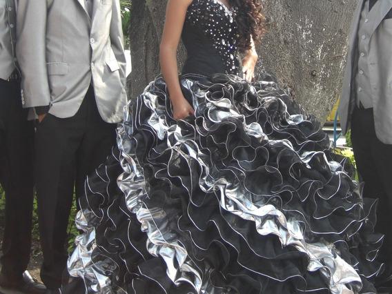 Vestido Negro Con Plata De Xv Años