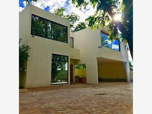 Casa Sola En Venta Fracc. Residencial Hacienda La Nogalera