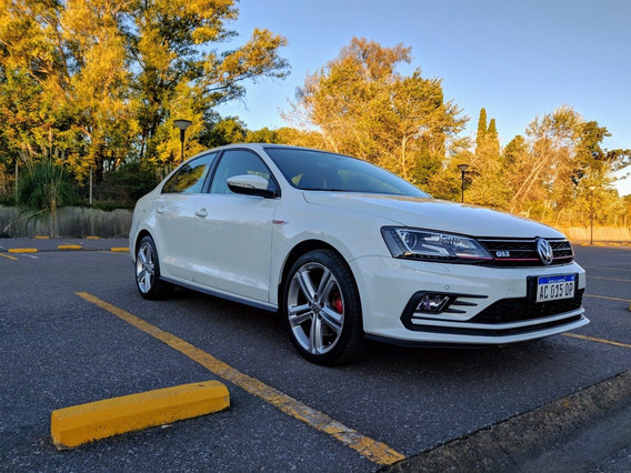 Volkswagen Vento Gli 2.0tsi 230hp App Connect + Nav Hermoso