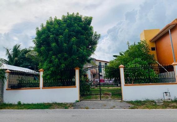 Casa Con Terreno En Venta En Zona Residencial En El Ejido Playa Del Carmen