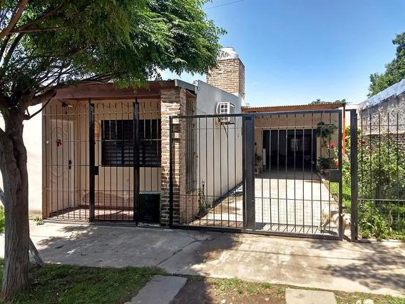 Casa En Venta En Barrio Lubo, Campana. 3 Dormitorios. Patio. Cochera