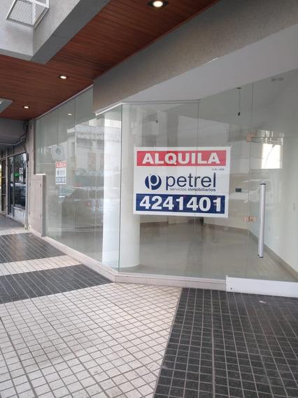 Excelente Local Comercial Esquina - A Estrenar!!