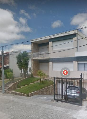 Casa De 2 Pisos En El Corazon De Malvin! Escucha Ofertas!!