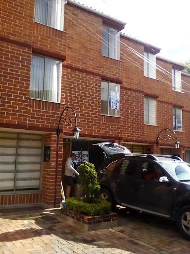 Casas En Arriendo Portales Del Norte 63-2516