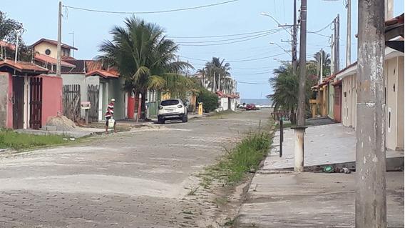 Casa Em Condomínio Com 2 Dormitórios A 300 Metros Da Praia