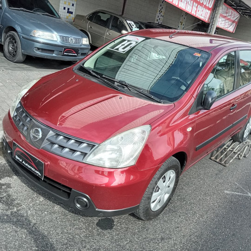 Imagem 1 de 7 de Nissan Livina 1.6 2010 Flex