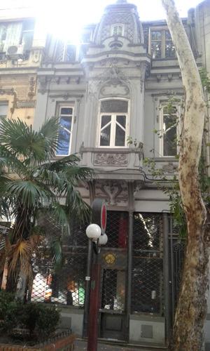 Casa De Gran Porte Para Local Comercial -pasos De 18 D Julio