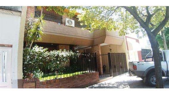 Venta Casa 5 Ambientes/patio/parrilla/jardin/garag