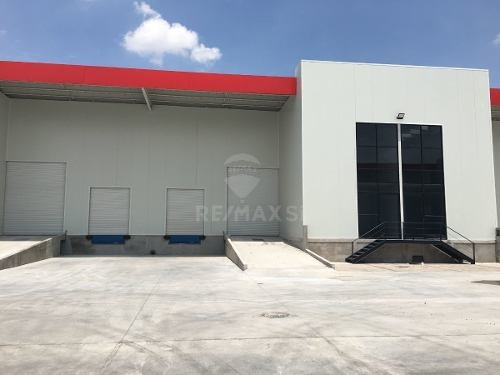 Bodega/nave Industrial Renta Qro.cerca Toyota Y Plaza Toros Constituyentes
