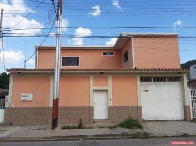 Amplia Casa En La Candelaria