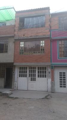 Casa 3.5 X 12 Cerca Al Debora Arango