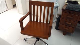 Cadeira Giratória De Madeira