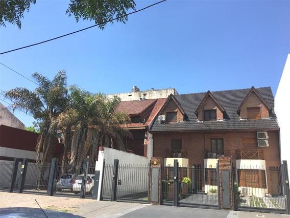 Triplex 6 Amb En Venta En Altolaguirre 2635. Villa Urquiza.-