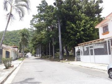 Casa En Venta En Trigal Norte, Valencia, Carabobo, 19-82009