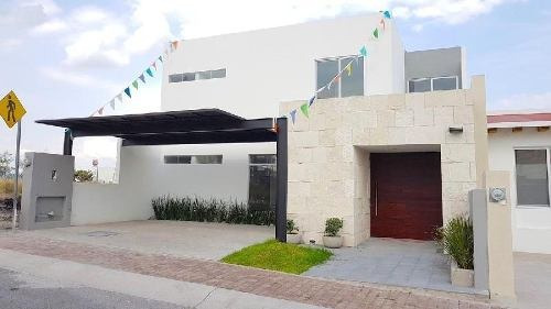 Casa Nueva En Venta En Juriquilla , Con Habitación En Pb