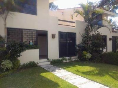 Zona Norte Agradable Y Seguro Condominio Con Jardín Privado