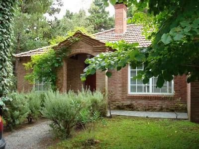 Vendo Casa En Carilo 4 Dor 173 M2