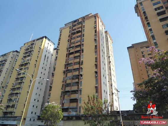 Apartamento Urb. El Centro 19-14326 Jcm 0414-4619929