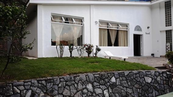 Hermosa Y Amplia Casa De Venta En Bello Monte