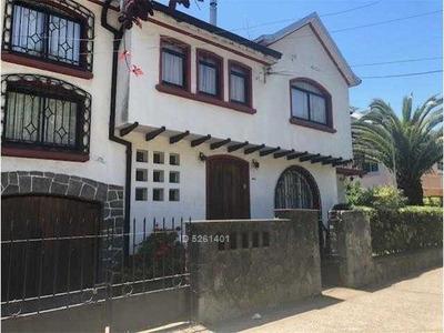 Arriendo Gran Casa En Victor Lamas A Pasos De Universidad De Concepción Y Parque Ecuador