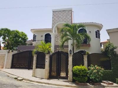 Preciosa Casa En Mirador Del Este