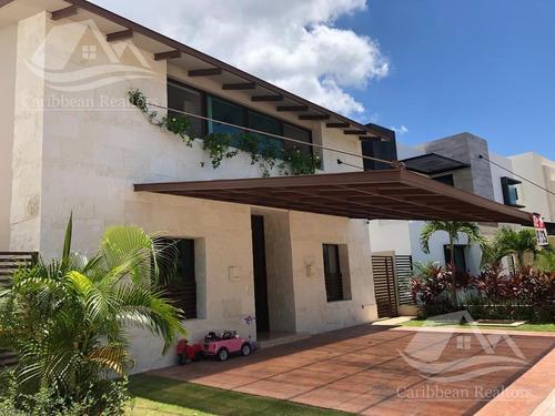 Casa En Venta En Cancún Lagos De Sol